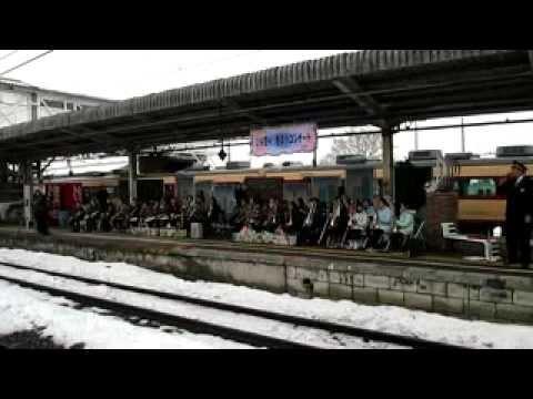 「ひな祭り 野岸小コンサート in 小諸駅」