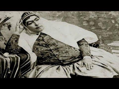Oude foto's van de Iraanse sjah en zijn 84 vrouwen