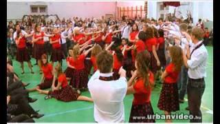 preview picture of video 'SZALAGAVATÓ 12.BC - HEVES 2010. (Eötvös József Középiskola)'