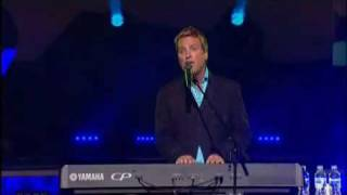Michael W. Smith Ft. Israel Houghton   Help Is On The Way   A New Hallelujah (DVD)