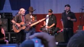 Willie Nelson & Kurt Nilsen.mpg
