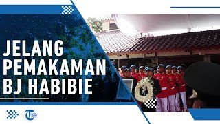 Jelang Pemakaman BJ Habibie, Masyarakat Padati Rumah Duka hingga TMP Kalibata