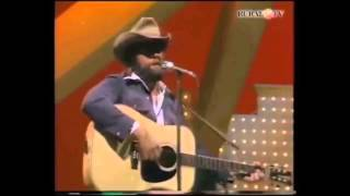 Johnny Paycheck - 11 Months And 29 Days (Live) [Audio Upgrade]