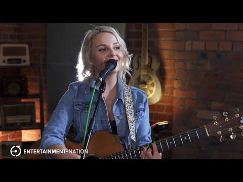 Katie Iris - Soulful Acoustic Soloist