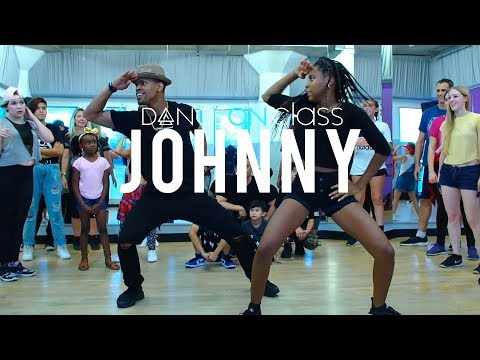 Yemi Alade - Johnny   Phil Wright Choreography   DanceOn Class