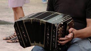 preview picture of video 'Centro Cultural Padre Mugica - Tango sopresa en Lomas de Zamora'