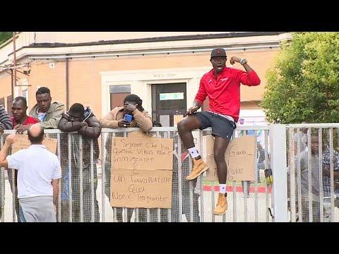 Ανησυχία στην Ιταλία μετά τα δεκάδες κρούσματα COVID-19 σε δομή μεταναστών…