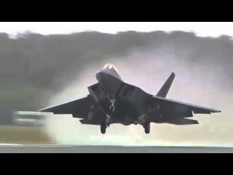 اقلاع طائرة  f 22 الامريكية وحركة خطرة جدا