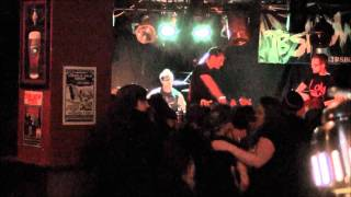 Chixdiggit cover - Where's Your Mom (Live @ Black Pirate's Pub - 02/11/2012)