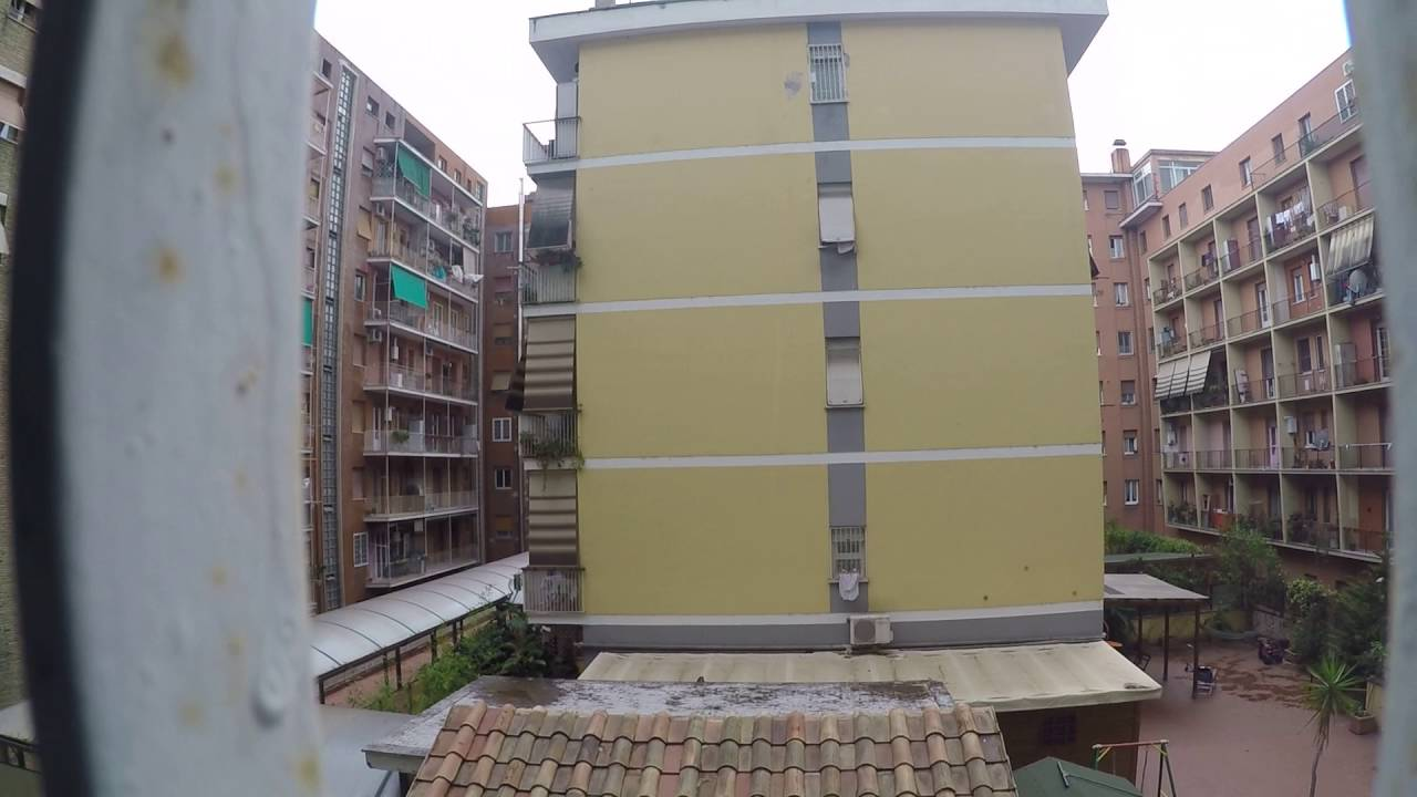 Room for rent in charming apartment with balcony in Ostiense area