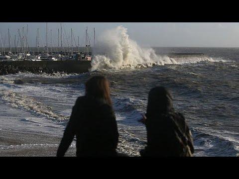 Η καταιγίδα Κάρμεν σαρώνει την Γαλλία