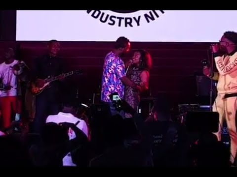 INDUSTRY NITE  : Simi performs tremendously and share a moment with Adekunle Gold.