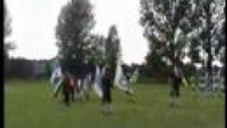 preview picture of video 'Mädchenspielmannszug und Schönburger Fahnenschwinger II-II'