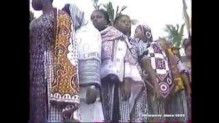 preview picture of video 'Super Mazembé avecMariama MMADI MLANAO: Narambé Karipvodé'