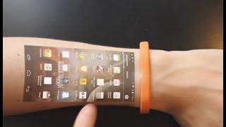 Браслет превращается в смартфон