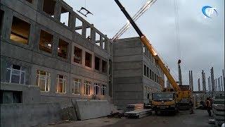 Подрядчик, строящий новую школу, пытается перенести срок сдачи объекта