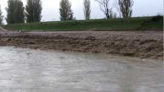 preview picture of video 'il topino dopo la grande pioggia dell'11-12 novembre 2012'