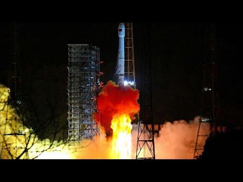 العرب اليوم - شاهد: الصين تطلق أول مسبار للهبوط على الجانب المعتم من القمر