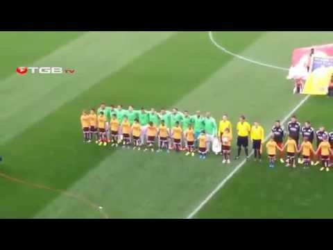 شاهد رد فعل الجمهور أثناء النشيد الوطني الجزائري في مباراة رومانيا  لحمك يشوك    YouTube