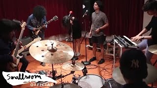 SMALLROOM MUSIC CAMP CREW  [JAM SESSION] - Come Together Original Song By The Beatles
