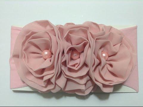 Tiara com flor shifon