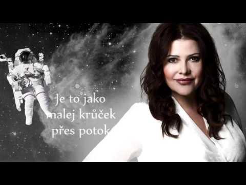 Ilona Csáková - Ilona Csáková - Družice