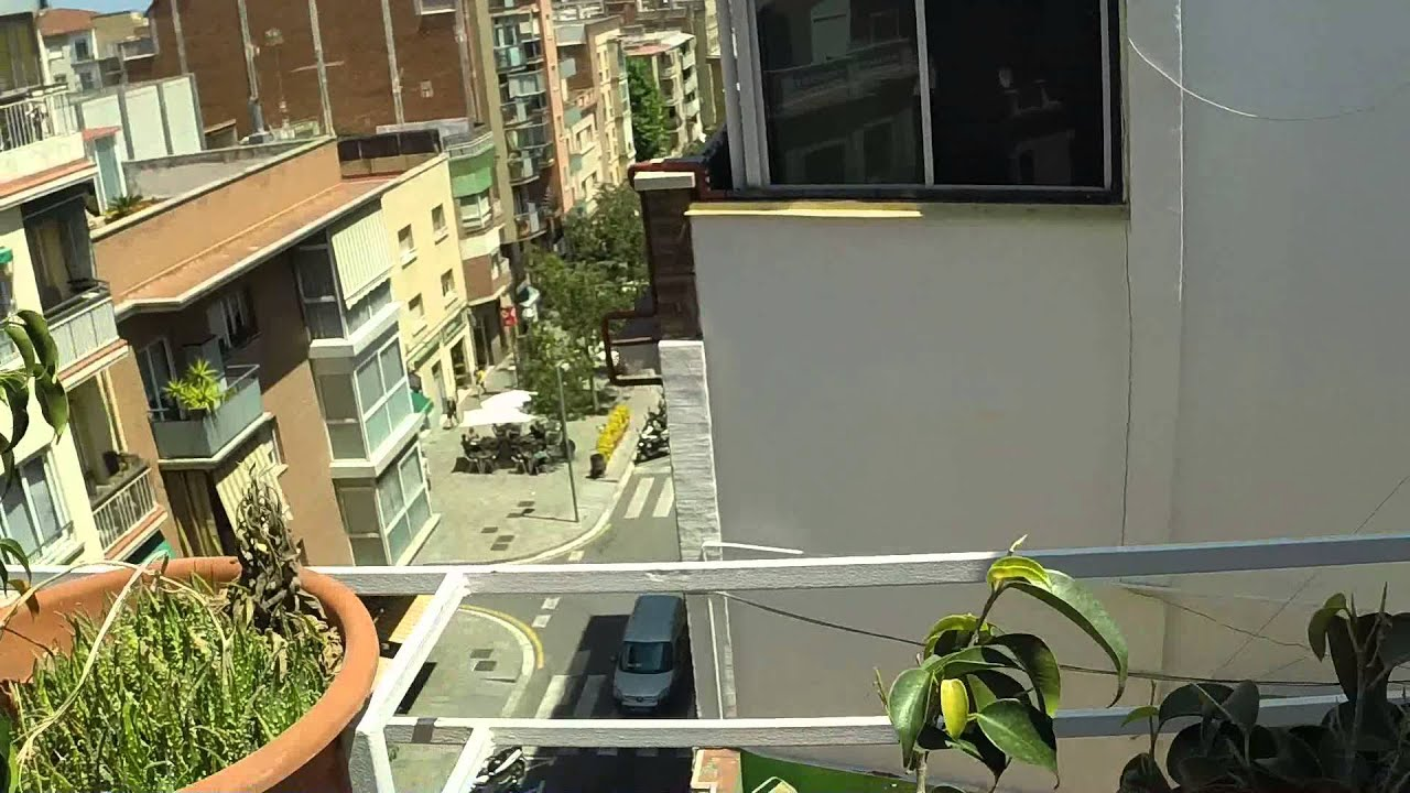 3-bedroom apartment with beautiful rooftop terrace for rent in Horta Guinardó