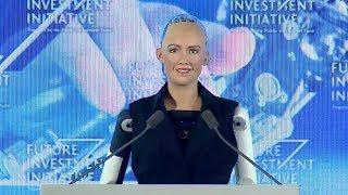 Киборг София, пообещавшая УНИЧТОЖИТЬ человечество, получила гражданство
