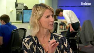 Famed Travel TV Star Samantha Brown Reveals How to Snag Cheap Airfare