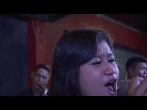 Video Listen -  cover by ESPRESSIVO Band (Live @Lumbung Resto Purwokerto)
