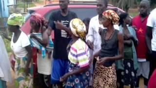 preview picture of video 'Ana miramar donativos pango aluquem, bengo!'