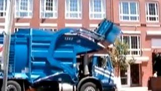 ゴミ収集車 cool garbage truck