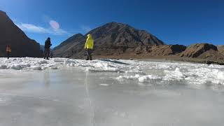 preview picture of video 'Time lapse at Indus and Zanskar river Sangam'