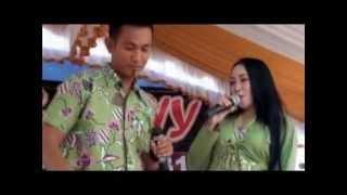 preview picture of video '04 PASANGAN IDEAL - Amli Asmara feat Sari Elyana'