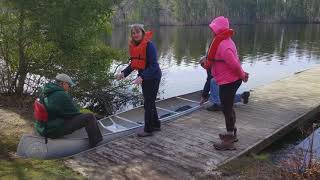 How to board and disembark a canoe