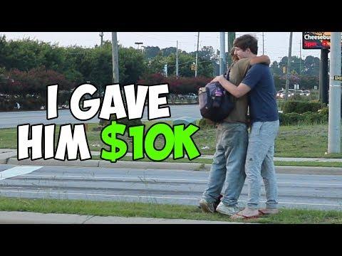 HE GAVE A RANDOM HOMLESS 10.000 DOLLAR!