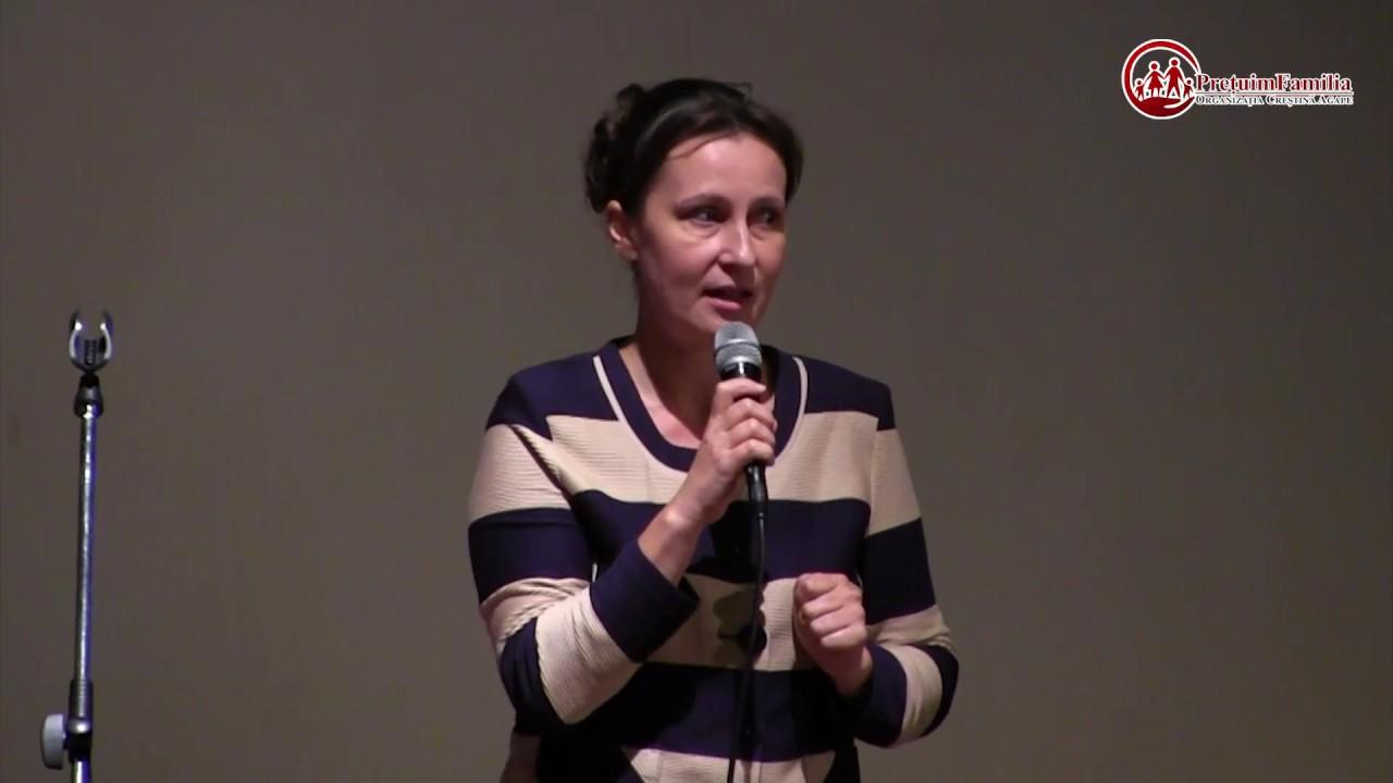 Av. Ana-Corina Săcrieru - De ce pro și contra familiei naturale?
