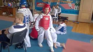 Победа нокаутом в 9 лет Тхэквондо (Taekwondo). A knock-out in 9 years (Taekwondo)