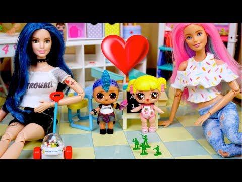 LOL Punk Boi esta enamorado de Bebe Goldie Despues de Hacerle Bullying!