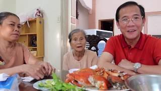 VLOG 351 ll Mua cua về ăn cùng Mẹ và cô Phương