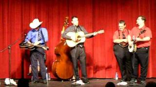 In The Tradition Bluegrass Band - She's Walking Through My Memory