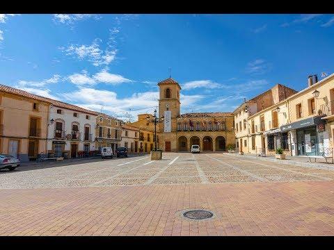 Peñas de San Pedro, recorriendo sus casas señoriales, castillo, iglesia, calles ,...