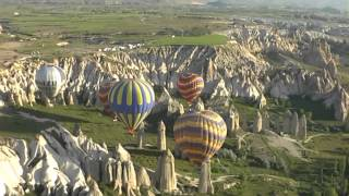 preview picture of video 'Ballonvaart Cappadocia Turkije 2011 - Valley of Love - Goreme - Uçhisar'