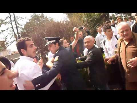 Φυγάδευσαν βουλευτή του ΣΥΡΙΖΑ μετά την παρέλαση στην Κατερίνη (βίντεο)