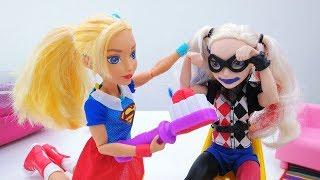 Супергерл и Харли Квинн в Салоне красоты - Видео для девочек