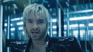 Kadr z teledysku Behind Blue Eyes tekst piosenki Tokio Hotel & VIZE