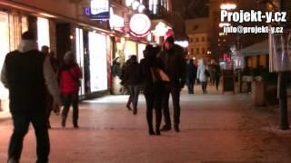 Návod: Jak začít oslovovat holky na ulici - Projekt-Y