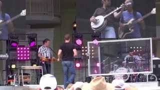 Josh Turner/Medley(Me and God,Live For the Love Of God,Go With Me)