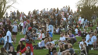 UK weather: Large crowds gather on Primrose Hill in London to enjoy warmer temperatures