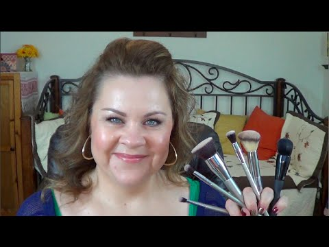 It Cosmetics x ULTA Airbrush Smokey Liner Brush #125 by IT Cosmetics #5